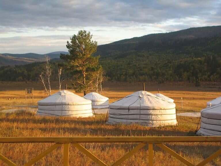 Moğolistan'da Evler