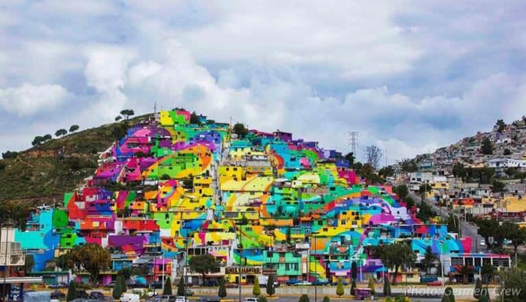 Las Palmitas renkli evler