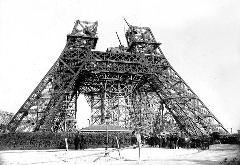 Fotoğraflarla Eyfel Kulesi'nin Tarihi