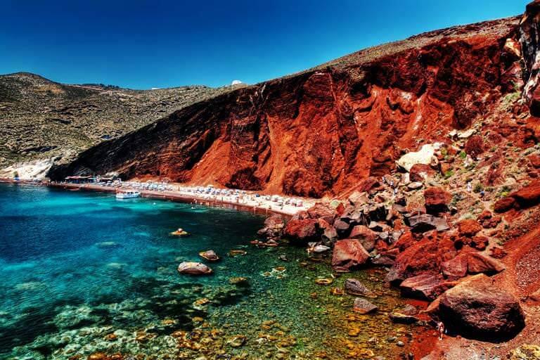 kırmızı kumlu plaj