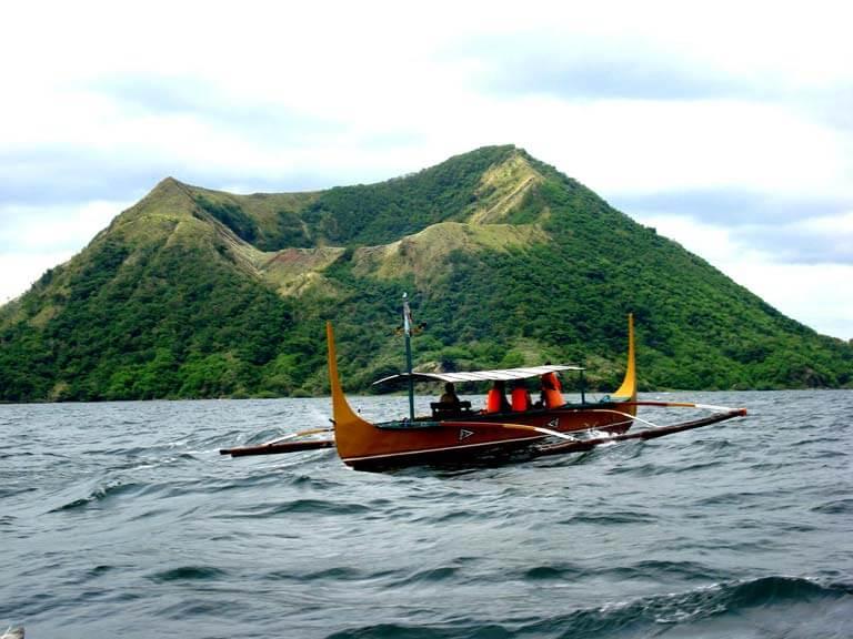 Dünyanın En Küçük Aktif Volkanı: Taal'e Tırmanış