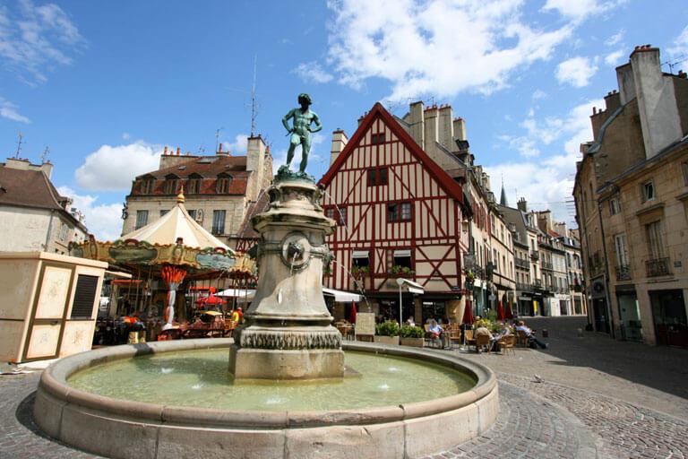 Geçmişten Bugüne Dijon'un Tarihi Sokakları