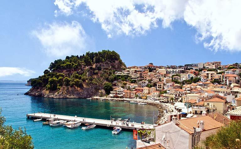 Yunanistan'da Ekonomik Bir Tatil: Parga Kasabası
